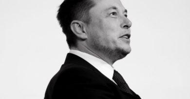 Otevřít či neotevřít? Musk je na hraně porušování zákonů