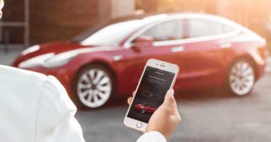 Tesla oficiálně uvádí mezi své zákazníky dvoufázové ověření
