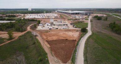 Bude mít SpaceX středisko vedle Giga Texas?